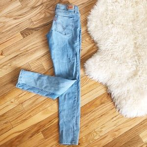 Levi's Light Wash Skinny Jeans